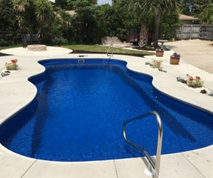 How To Choose The Right Swimming Pool Size For Your Family And Your Home